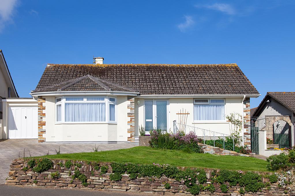 Elegant bungalow house